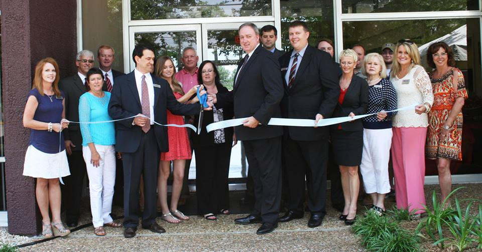Biloxi Lemoyne Branch Grand Opening with employees at ribbon cutting